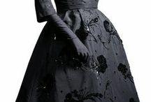 Vintage Dresses / by Ursula Sojda