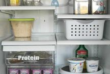 Cleaning & Groceries / Genius cleaning tips and ways to save money on groceries.