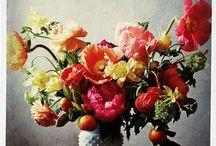 Fleurs, Bouquets et Vases / by Catherine Moreau