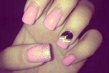 Nails / by Melanie Navarro