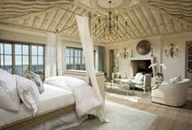Beautiful Bedrooms / Our bedrooms are our sanctuaries. Drift off to dreamland in these ridiculously incredible retreats.