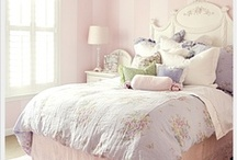 kids rooms / by Luciana