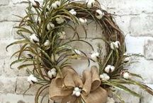 Wreaths & Front Door Deco