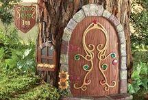 Miniature Fairy Gardens / by Raven Bren