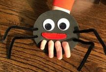Spiders / Spider books, games, and spider themed learning activities! Perfect for Halloween themed games.