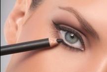 makeup tips n tricks / by Diana Menchaca