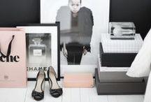 A blogger's office/closet idea