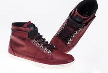 Caballeros / Ser fashion también es cosa de hombres. / by Price Shoes
