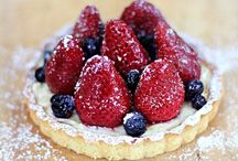 Fruit Desserts. / Desserts with fresh fruit.