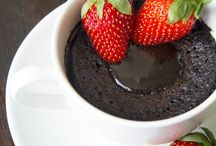 Vegan Mug Cakes / Delicious delights for one