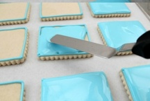 Frosting & Decorating / Recipes for delicious frostings + fabulous decorating tips & tricks!