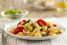 Barilla White Fiber Pasta / Fill up on almost 3x more fiber than regular pasta in these white fiber pasta recipes.  Each dish has your favorite flavors in them, so indulge and feel healthy all at once!