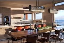 Cape Cod Kitchens / A big bonus of a vacation rental is having access to a kitchen. A kitchen provides flexibility when it comes to meal time so one can choose to eat out or not. Just another benefit of renting a vacation home for your next getaway.