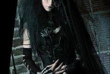 Goth Girls / Dark Fashion|Alternative models