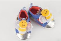 Playtoes from Skibz / Playtoes are now available from Skibz.  These cute and oh so clever pram shoes help stimulate baby's senses. www.skibz.co.uk