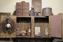 Prim & Colonial Decor / by Nicki Evans Leathers