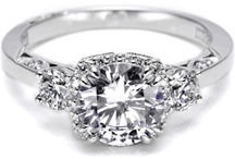 Mervis Diamond Engagement Rings We Love / Tacori, Verragio, Ritani! There are so many amazing diamond engagement rings out there!