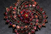 Brooch the Subject / by Heidi GoLightly