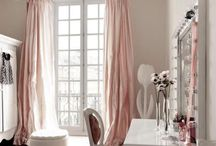 Feminine Decor / by Laura Hunt