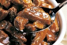 Slow Cookin' Crockpot Recipes / Don't heat up your kitchen just throw dinner in the crockpot / slowcooker and let it magically do it's thang! :)