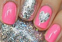 GLITTER AND SPARKLE / by Maria
