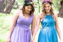 Mismatched Bridesmaid Dresses / Gone are the days of uniform bridesmaid looks! You want all of your gals to feel comfortable and beautiful and this is an easy way to make that happen! See why mismatched bridesmaid dresses are perfect for your wedding!