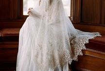 Wedding Veil Inspiration / Inspiration for wedding veils - what style to buy and how to wear them.