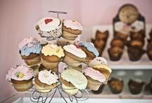 Cupcakes! / by Amanda Gittens
