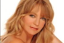 Goldie Hawn - makes me smile / by Linda Swoboda