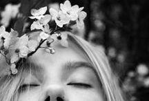 Fashion : FLOWER HEADS