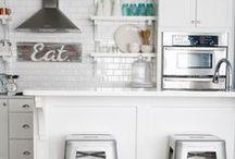 Kitchen / by Alyse Bennett