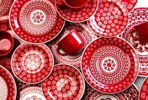 Red / Punainen