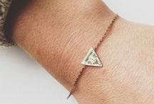 // JEWELRY // / Minimal and bold pieces of jewelry! / by yasmin roohi