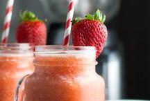 Drinks (with Alcohol) / Alcoholic drinks that are yummy and easy to make!  Great for get-togethers and parties.