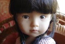 Dolls: What a Doll! / Everything dolls except for Blythe.      She has her own board...  A Thousand and One Looks of Blythe. (""\>216|146|?|en|2|9c0a7ac60690db90fd7bf2cd05383bec|False|UNLIKELY|0.3036046326160431