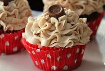 Cupcakes / by Ralene Gerrard Bills
