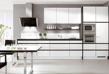 Kutchenhaus High Gloss Kitchens / High Gloss kitchens have become one of the most popular styles in recent years, with more and more people choosing high gloss for it's modern, clean look, it's practicality and it's durability.