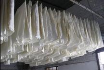 Surcos de papel [Papier] / Pliegues y otros paisajes de celulosa. / by Nanoediciones