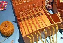 Looms, hairpin lace & Co. / Lavorazioni con telai di vario tipo, con forcella.