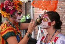 Mexiko / Es gibt kaum ein Land der Erde, das eine derartige Dichte an Kulturmonumenten - von der Antike der Mayas bis zur heute wegweisenden Moderne - aufweisen kann. Dazu hat Mexiko noch vieles mehr zu bieten - von einzigartigen Landschafts-Szenerien, Stränden an den beiden Ozeanküsten und nicht zuletzt die lebenslustigen, humorvollen Mexikaner.