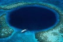 Belize / #Belize liegt auf der Yucatán-Halbinsel und ist berühmt für seine Vielfalt an Flora und Fauna. Die meist noch gut erhaltenen Maya-Tempel, die aus dem Regenwald herausragen, sind ein absolutes Highlight.aus. Das Wal-Riff des kleinen Landes am karibischen Meer ist das zweitgrößte der Welt. Das zentralamerikanische Land, bekannt für seine traumhaften Strände, ist der perfekte Ort, um auf Tauch- und Schnorchel-Ausflügen die Tiefen des Meeres zu erkunden.