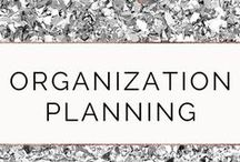 Organization Planning / If you want to be successful, you need to be organized. If you struggle with decluttering like I used to, learn how you can also organize your living and enjoy life with life with less stress. Join my FREE VIP Tribe for accountability, support, motivation, and exclusive content. #confidence #productivity #success #organization #planning