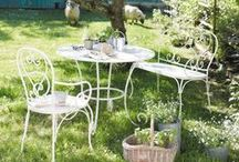 Wimbledon Garden Party | Maisons du Monde / Game, Set & Match...Throw the perfect summer party with champagne, traditional afternoon tea treats and creative tennis inspired decorative additions...