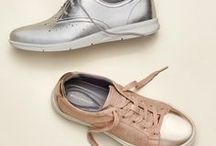 Metallic Movement / This season it's all about metallic shoes that make a bold (and shiny) statement.
