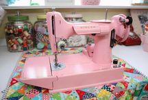 Sewing Machine LOVE / by Lisa Ogletree