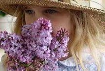 Flower girls / by Mariangeles Mandagaran
