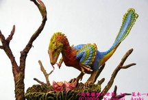 Betwixt Dinosaurs & Birds / Images that support the link between dinosaurs and modern birds