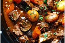 Beef Crockpot/Slow Cooker Recipes / Simple, easy and delicious Crockpot or slow cooker recipes using beef.