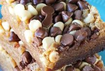 Crockpot & Slow Cooker Dessert Recipes / Delicious and easy Crockpot & slow cooker dessert recipes