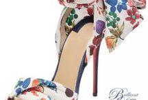 Chaussures en folie ❤️❤️ / Ce board #Pinterest est pour les chaussures addicted... Si vous souhaitez faire partie de ce board collaboratif, veuillez envoyez un email à tomatejoyeuse@gmail.com.